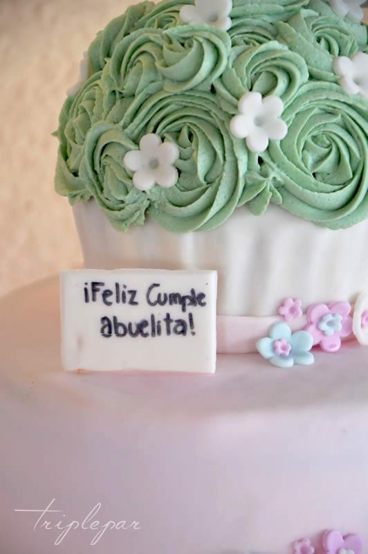 Pastel de Cumpleaños para Leticia